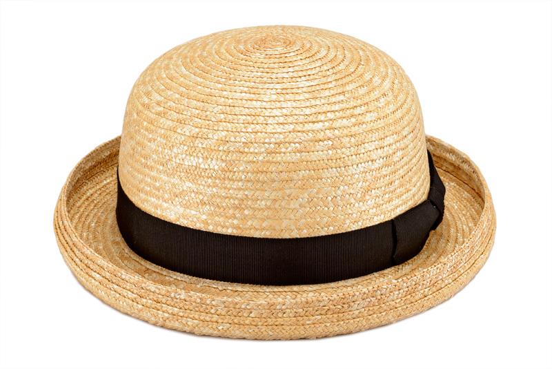 田中帽子店 uk-h010clbk Clement クレマン ボーラーハット 子供用 54cm お散歩やお出かけなどに最適な麦わら帽子です。 盛り上がったトップに、くるんと巻き上がったつばが愛らしいデザインです。 強い日差しや熱中症からお子様を守ります。