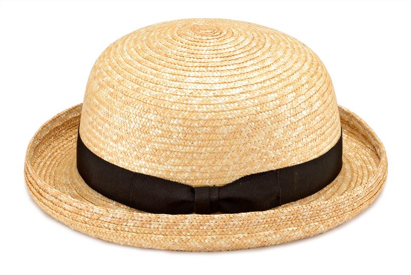 田中帽子店 uk-h010clbk Clement クレマン ボーラーハット 子供用 54cm子供用だけど作りは本物!男の子も女の子もかぶれるモデル サイズは子供用ですが、作りは大人の帽子と全く一緒。性別を問わずかぶれるデザインです。 ゴム製のあごひもが付いているので、風の強い日でも安心です。 また、サイズ調整テープ付きなので、今年が少し大き目でも来年もまたかぶることができます。