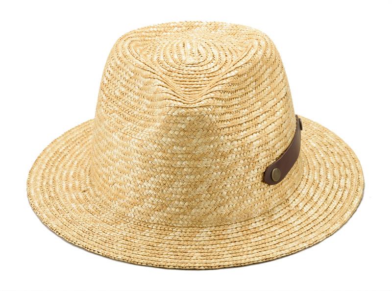 田中帽子店 uk-h051 Samy サミー フェドラー型 太麦 麦わら帽子 ファッション重視の方におすすめ 中折れハットのスタイルで、しっかりとかぶっても頭部が当たらない少し深めのデザインです。ツバはカジュアル感を出すためにフラットなフォルム。革ベルトがアクセントになっています。