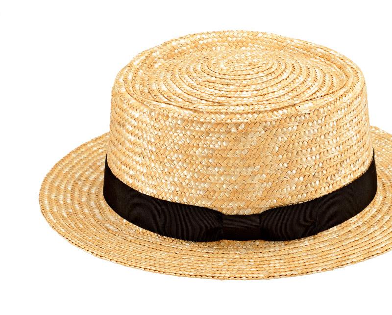 田中帽子店 uk-h066 Karima カリマ ポークパイ型 つば広ハット 57.5cm 機能性も備えた伝統手工芸品 麦わら帽子に使われるのは主に大麦の茎。それを7本組み、真田ひも状に編んだ「麦わら真田」が材料です。麦わらは空気をよく通し、帽子内にこもりがちな熱を放出し、熱中症対策にもなります。湿度の高い日本の夏こそ、昔ながらの麦わら帽子の良さを実感してください。