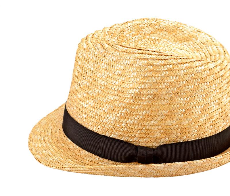 田中帽子店 uk-h067 Loan ロアン 女性用 中折れ 麦わら帽子 57.5cm 機能性も備えた伝統手工芸品 麦わら帽子に使われるのは主に大麦の茎。それを7本組み、真田ひも状に編んだ「麦わら真田」が材料です。麦わらは空気をよく通し、帽子内にこもりがちな熱を放出し、熱中症対策にもなります。湿度の高い日本の夏こそ、昔ながらの麦わら帽子の良さを実感してください。