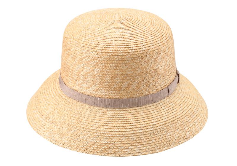 田中帽子店 uk-wh042 wa‐sou-和- Casablanca(カサブランカ) 麦わら 女性用  帽子 58cm  くるんと内側に丸まった大きなつばが特徴。春夏ファッションを彩る定番帽子、カサブランカです。丸みのある柔らかなシルエットが女性らしさを印象づけ、かぶるだけで映画女優のような優雅な雰囲気に。つばが広いので、小顔効果も期待できます。